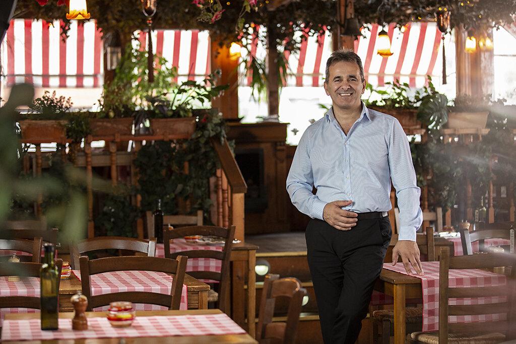 Costa-Taverne-web2.jpg